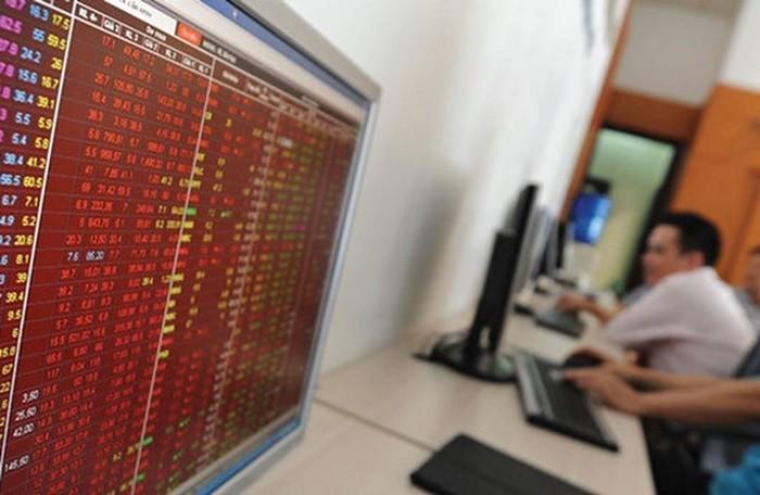 Nha dau tu hoang loan ban thao, VN-Index lao doc 35 diem ngay dau phien