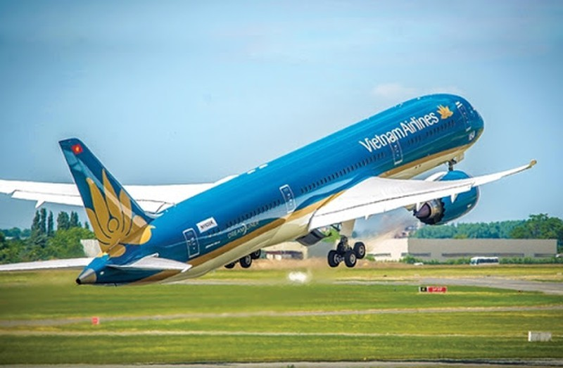 Co dong Vietnam Airlines thong qua phuong an huy dong 8.000 ty tra no