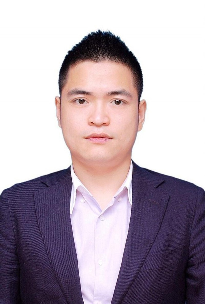 Em trai bau Thuy ngoi 'ghe nong' Thaiholdings
