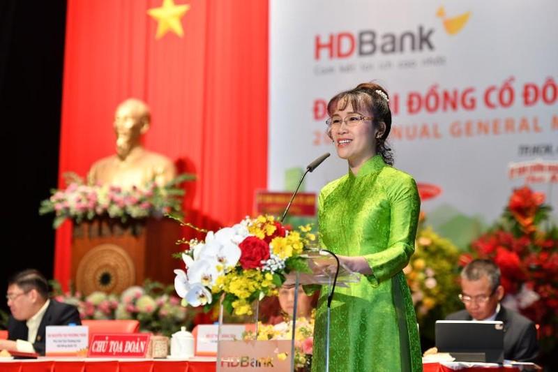 DHDCD HDBank: Chia co tuc 25%, doanh thu phi bancassurance tren 1.000 ty-Hinh-2