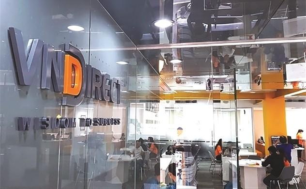 VNDirect vuot ke hoach 7 thang, muon dieu chinh loi nhuan nam tang 82%