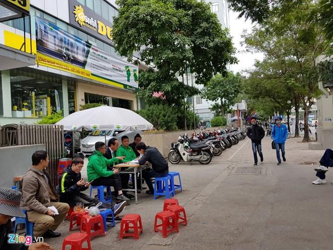 Dat ban tuyen dung tai via he, Mai Linh quyet hut tai xe Uber, Grab-Hinh-3