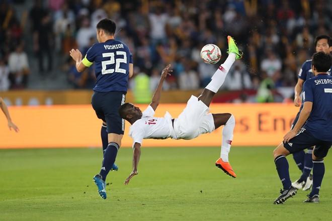 Tien dao Qatar lap ky luc ghi ban tai Asian Cup