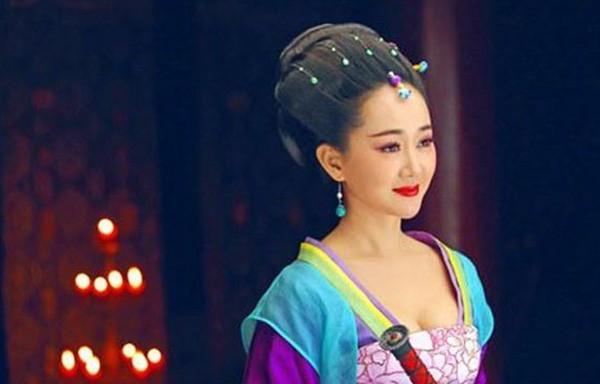 Nguoi phu nu quyen luc khien hoang de vi dai nhat Trung Hoa mot muc nghe loi