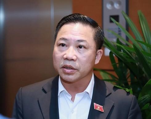 """Delay chuyen bay de cho 1 vi khach: """"Den Bo truong cung khong duoc phep"""""""