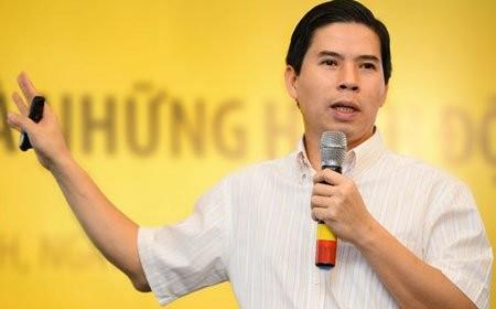 Ong chu The gioi Di dong Nguyen Duc Tai lien tuc dinh van den gi?