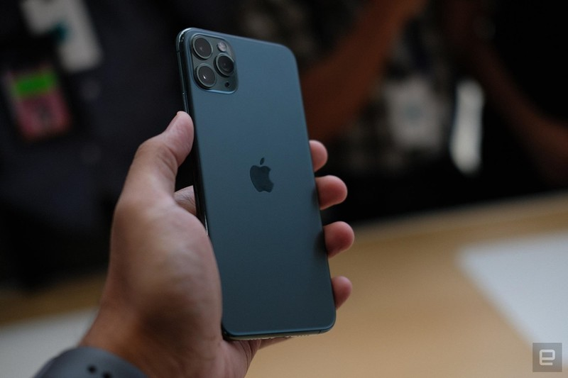Can canh sieu pham iPhone 11 Pro, Pro Max tu 1.449 USD-Hinh-2