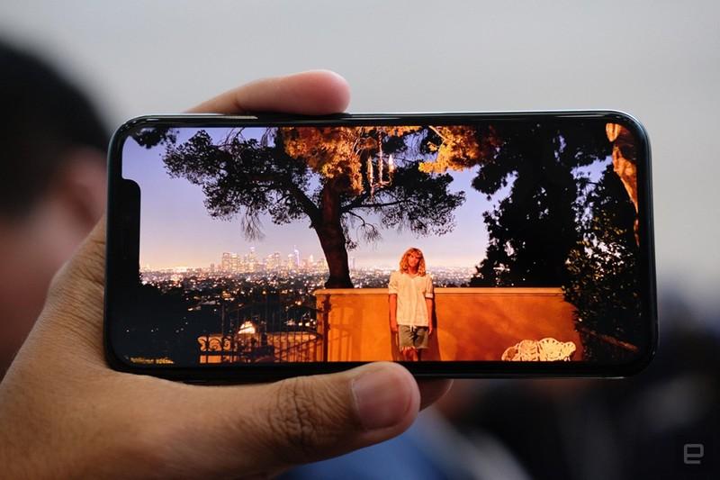 Can canh sieu pham iPhone 11 Pro, Pro Max tu 1.449 USD-Hinh-6