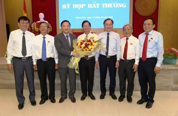 Ong Nguyen Tan Tuan duoc bau giu chuc Chu tich UBND tinh Khanh Hoa