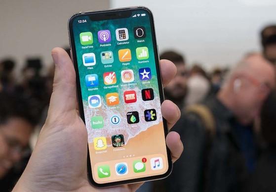 iPhone X gia chi con 10,37 trieu dong