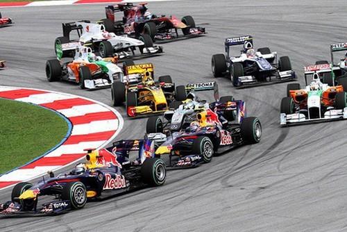 F1 Ha Noi tam hoan, fan chi 9 trieu mua ve... xu ly the nao?