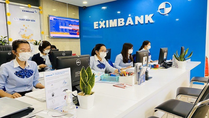 Cuoc chien quyen luc Eximbank: Noi bo dau da, kinh doanh lo hay lai?