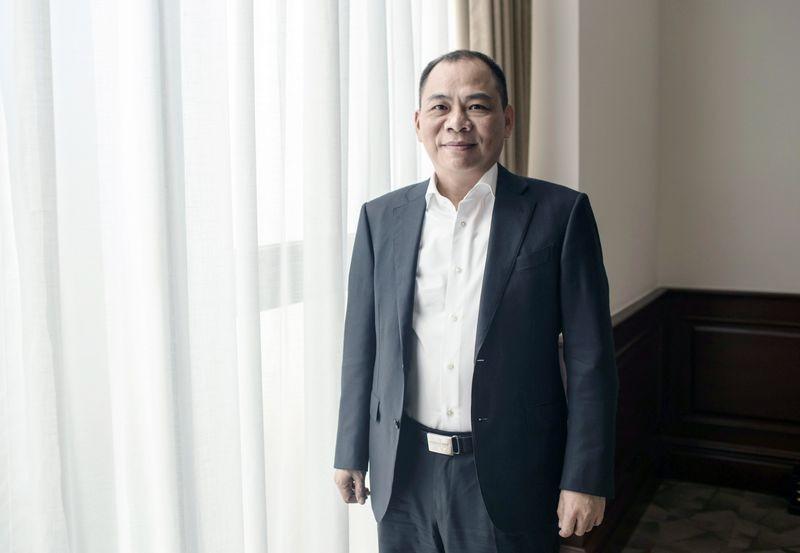 Ty phu Pham Nhat Vuong hot nhat gioi dai gia: Loat diem sang moi