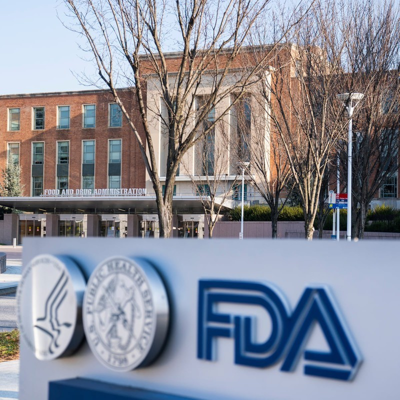 FDA cap phep su dung khan cap vaccine cua Pfizer-BioNTech
