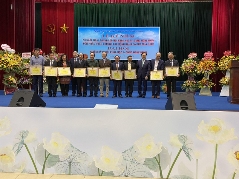 Chu tich Phan Xuan Dung tham du Dai hoi Dai bieu Hoi KH&CN Hang khong Viet Nam-Hinh-3