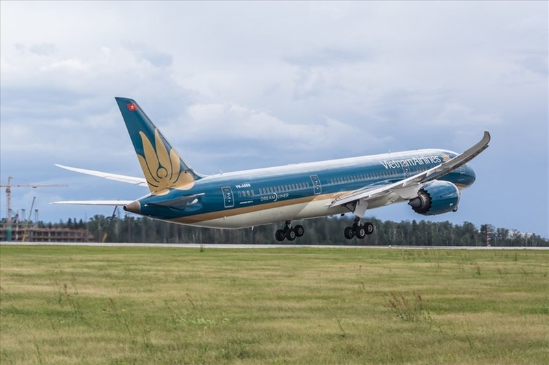 Vietnam Airlines muon mo duong bay den My: Gia ve sao?