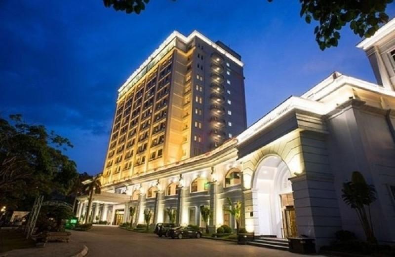 Casino Royal Ha Long thua lo lien tuc: He lo ong chu dung sau
