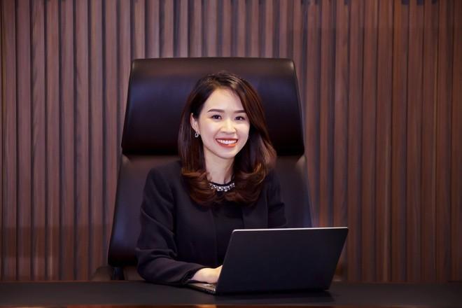 Chan dung nu Chu tich 8X tai sac cua Kienlongbank