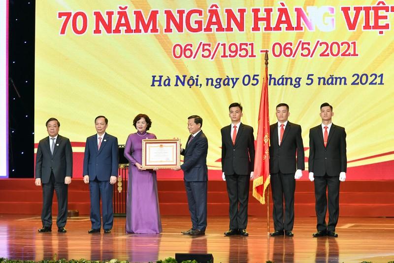 Tong bi thu Nguyen Phu Trong giao 5 nhiem vu cho nganh ngan hang-Hinh-2