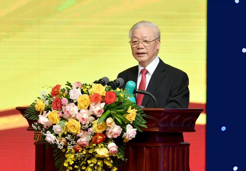 Tong bi thu Nguyen Phu Trong giao 5 nhiem vu cho nganh ngan hang