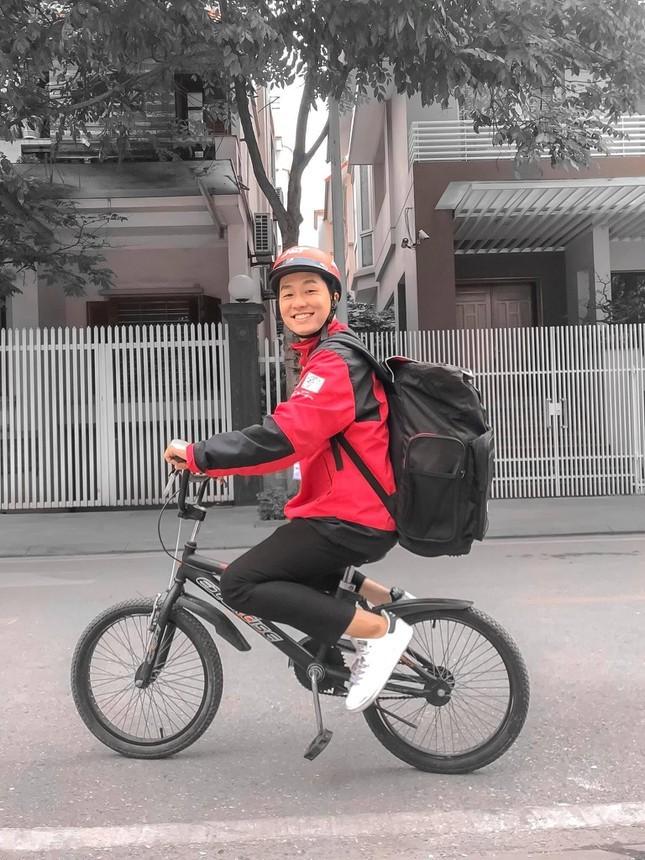 Vu Hoang gay bao mang xa hoi voi net dien trai cuon hut-Hinh-2