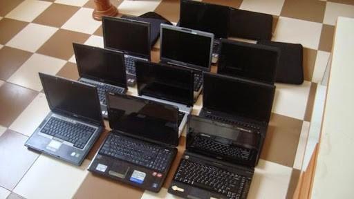 Thiet bi day hoc online: Laptop, Ipad doi gia... mua cu sao chuan?-Hinh-2