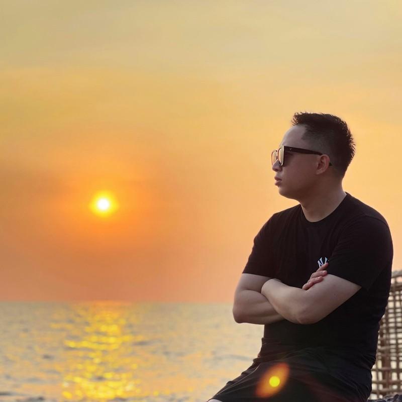 "Soi profile ""khung"" cua Pho Tong Giam doc 9X Vincom Retail-Hinh-3"