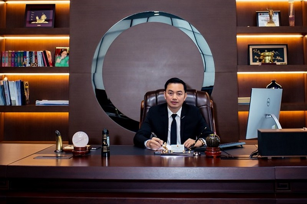 Chu tich Sunshine Group lam Pho tong giam doc Kienlongbank