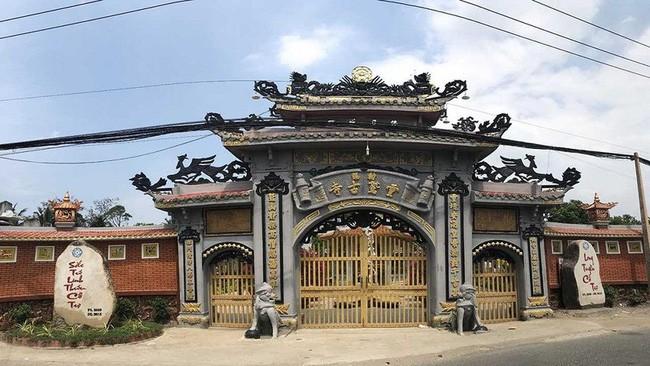 Ly ky chuyen dai hong chung cuu chua o ngoi chua co nhat Tien Giang