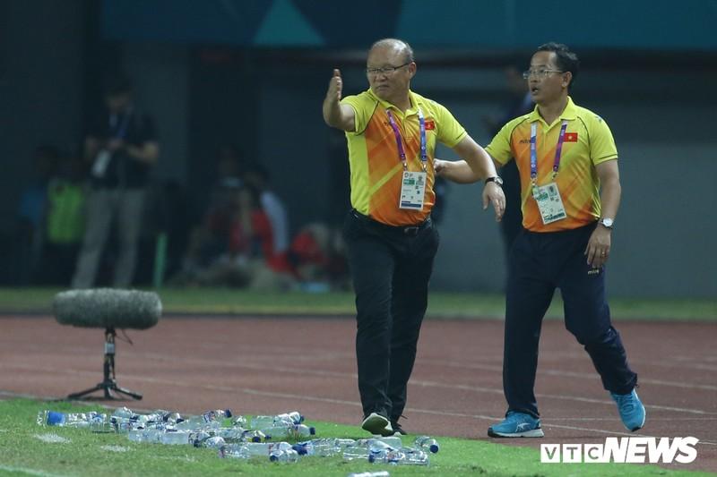 Cup Quoc gia lui lich thi dau, tuyen Viet Nam gap bat loi truoc them AFF Cup