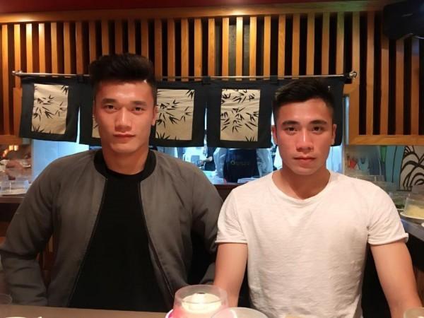 Bui Tien Dung khoe anh ky niem mot nam voi ban gai-Hinh-4