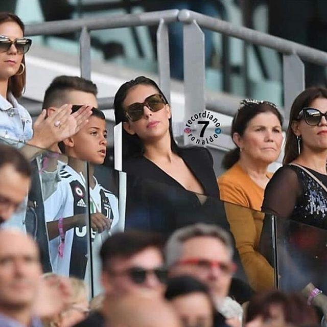 Ronaldo duoc bo noi loi yeu, len tieng nghi an hiep dam-Hinh-3