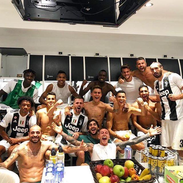 Ronaldo duoc bo noi loi yeu, len tieng nghi an hiep dam