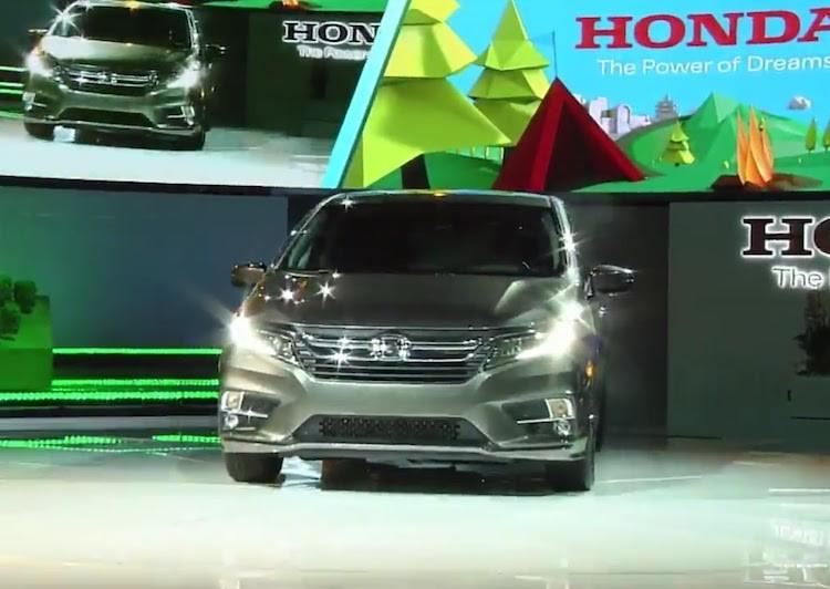 """Xe gia dinh """"sieu tien loi"""" Honda Odyssey 2017 co gi?-Hinh-2"""