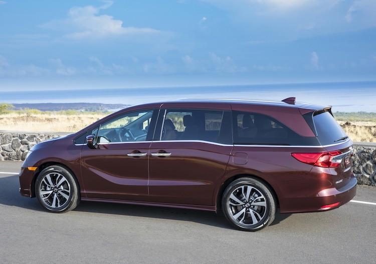 "Xe gia dinh Honda Odyssey 2017 ""chot gia"" 700 trieu-Hinh-3"