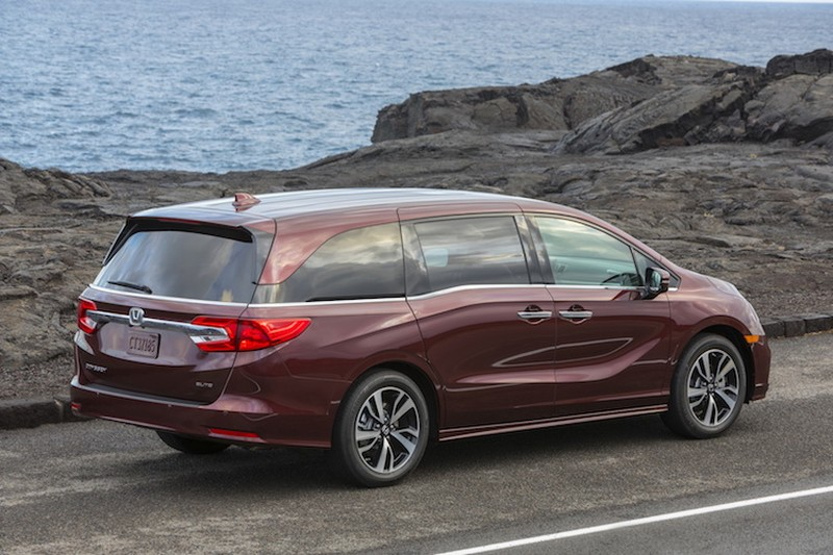 "Xe gia dinh Honda Odyssey 2017 ""chot gia"" 700 trieu-Hinh-4"