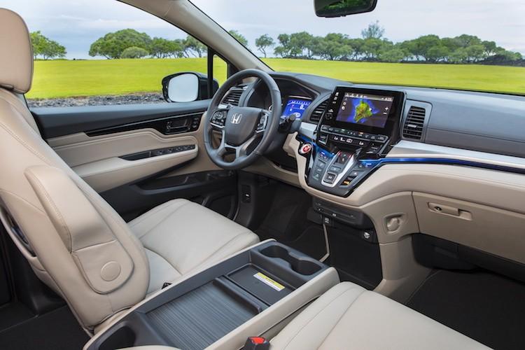 "Xe gia dinh Honda Odyssey 2017 ""chot gia"" 700 trieu-Hinh-6"