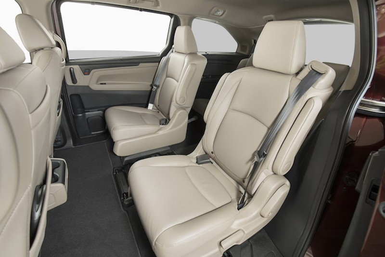 "Xe gia dinh Honda Odyssey 2017 ""chot gia"" 700 trieu-Hinh-7"