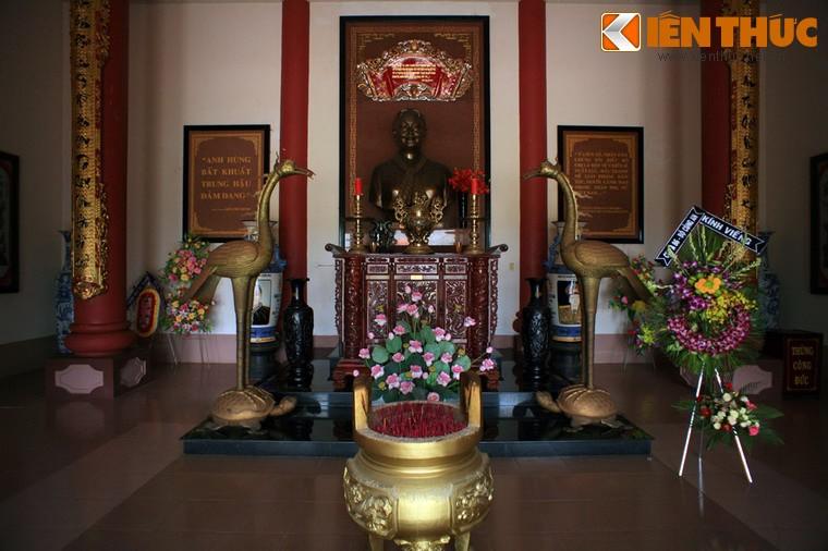 Den tho trang le cua nhung nguoi phu nu luu danh su Viet-Hinh-11