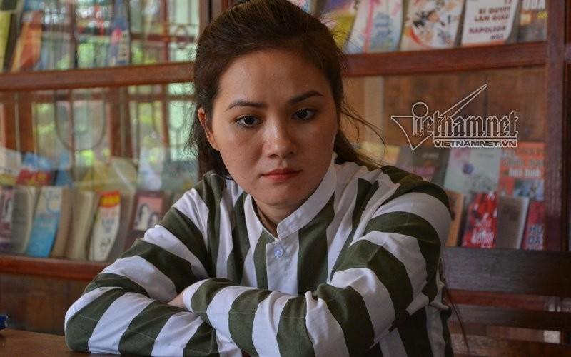 Nuoc mat hot girl Ha thanh sau canh cua trai giam