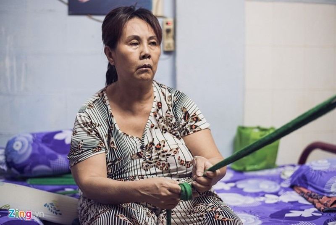 Dien vien Hoang Lan khong the di lai vi di chung phau thuat