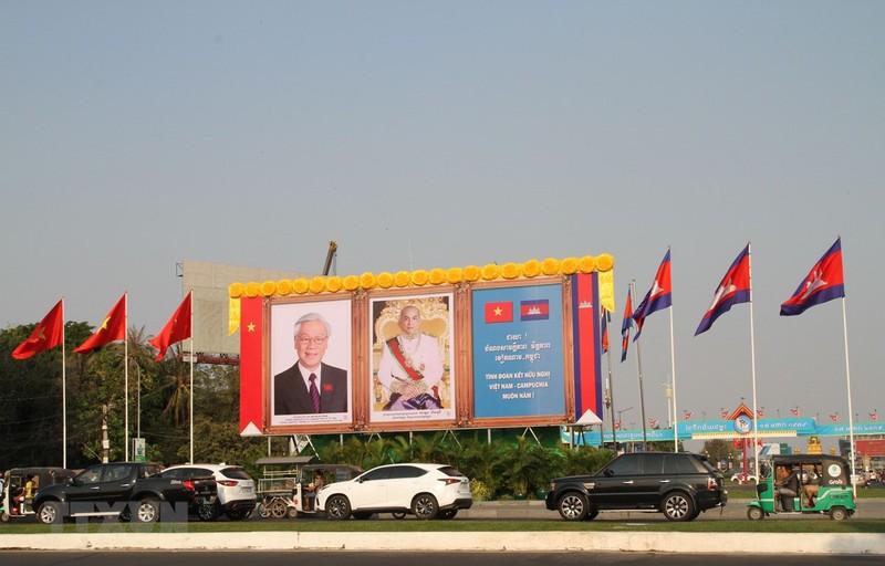 Tong Bi thu, Chu tich nuoc ket thuc tot dep chuyen tham Lao, Campuchia