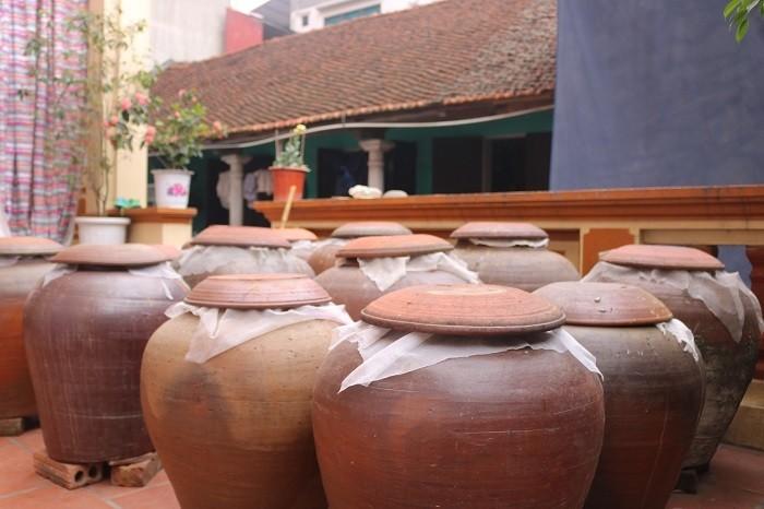 Man chat nhung Viet kieu tranh mua dac san cua dan ngheo nong thon khi xua-Hinh-2