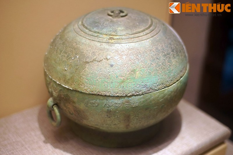 Choang voi kho bau khong lo trong mo Han co o Bac Ninh-Hinh-5