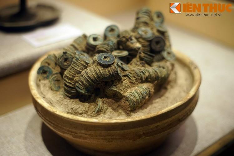 Choang voi kho bau khong lo trong mo Han co o Bac Ninh-Hinh-8