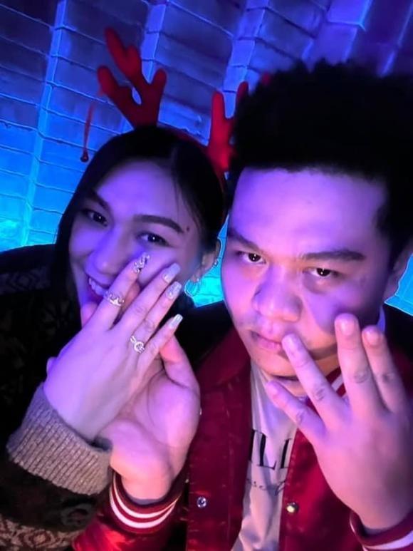 Trong dem Giang sinh Rapper Yuno Bigboi cong khai cau hon ban gai
