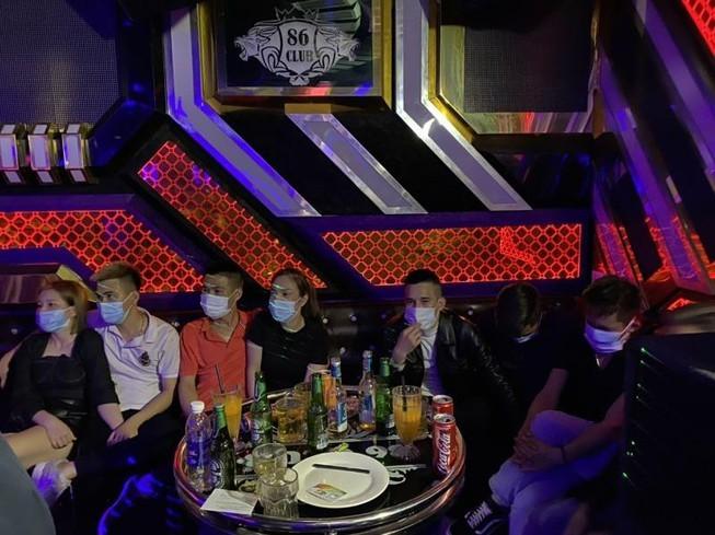 Bac Giang: 28 nam nu phe ma tuy trong quan karaoke