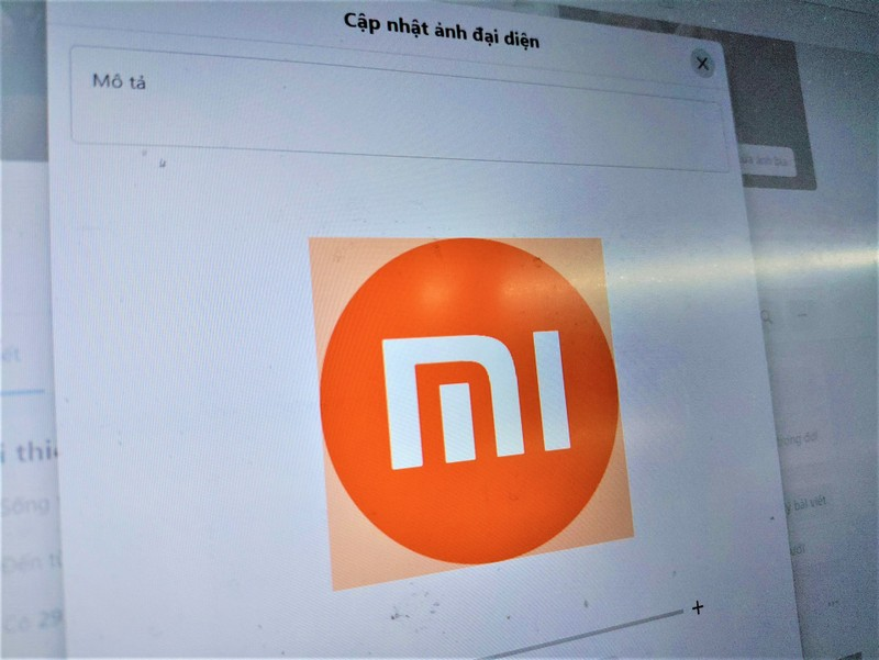 Facebook khien logo ton kem cua Xiaomi tro thanh hinh tron