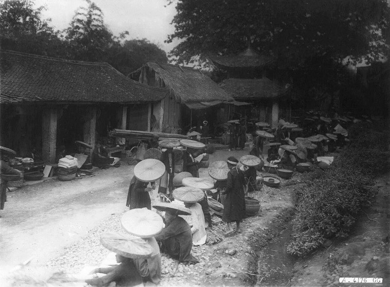 Tan muc cuoc song soi dong o Ha Dong thap nien 1920-Hinh-11