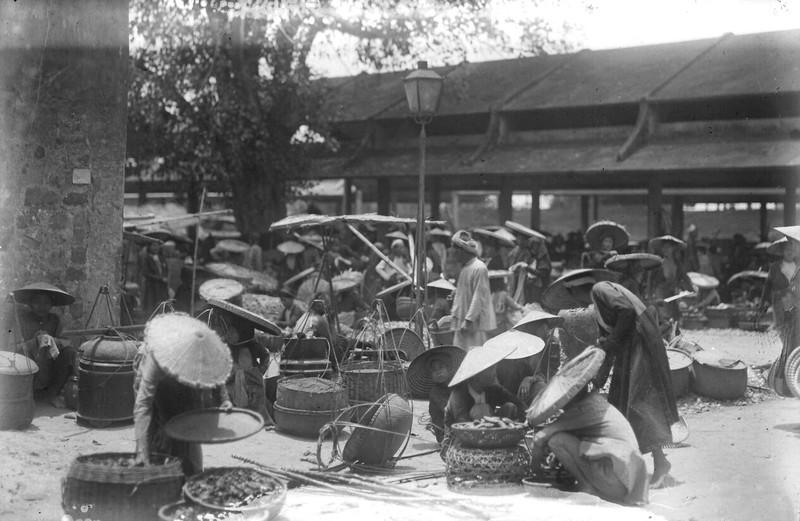 Tan muc cuoc song soi dong o Ha Dong thap nien 1920-Hinh-3